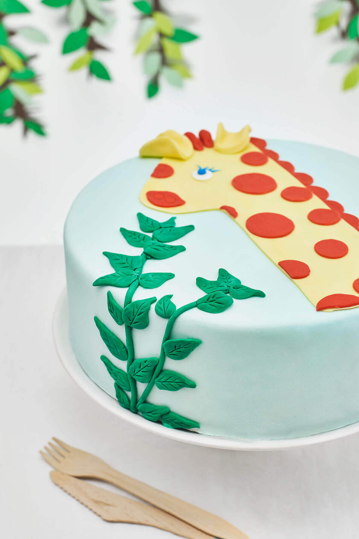 One Year Old Giraffe Themed DIY Birthday Cake Decorating ...